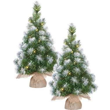 2x stuks kunst kerstboom/kunstboom in jute zak met verlichting en sneeuw 60 cm